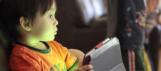 bambini smartphone tablet