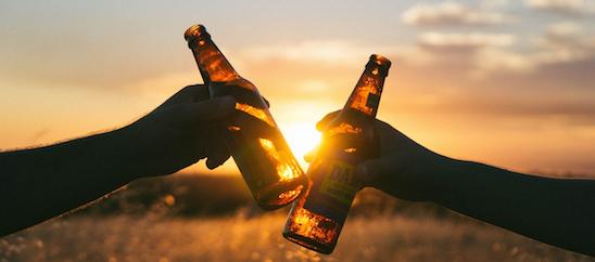 Abbuffata alcolica, cattiva abitudine in crescita tra i teenagers