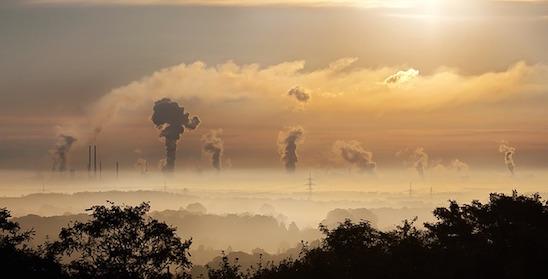 Così lo smog mette a rischio i polmoni dei bambini